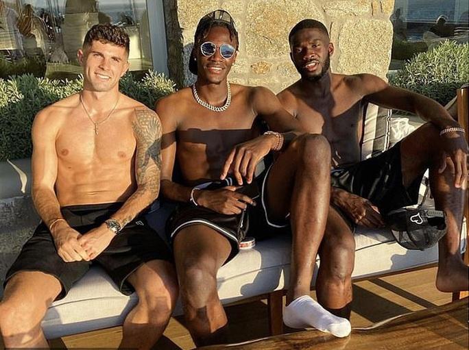 Du hí ổ dịch, Neymar và Di Maria dương tính SARS-CoV-2 - Ảnh 5.