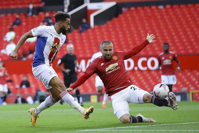 Tân binh de Beek lập công, Man United thua thảm ở Old Trafford - Ảnh 2.