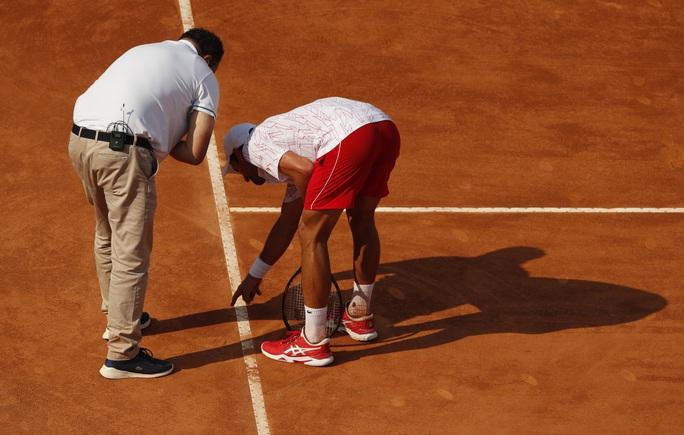 Clip Djokovic vất vả vào chung kết Rome Masters 2020 - Ảnh 5.