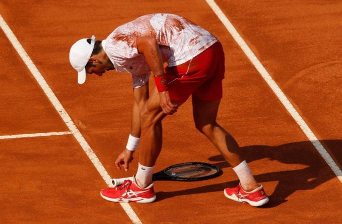 Clip Djokovic vất vả vào chung kết Rome Masters 2020 - Ảnh 7.