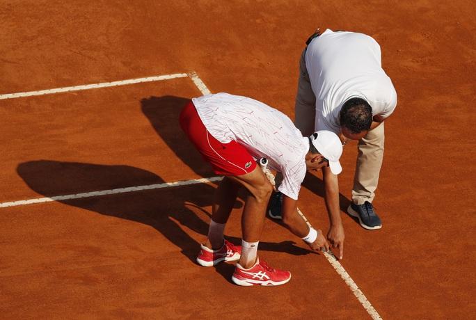 Clip Djokovic vất vả vào chung kết Rome Masters 2020 - Ảnh 4.