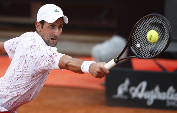 Clip Djokovic vất vả vào chung kết Rome Masters 2020 - Ảnh 8.