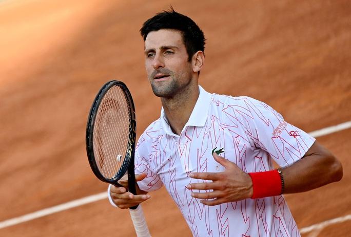 Clip Djokovic vất vả vào chung kết Rome Masters 2020 - Ảnh 9.