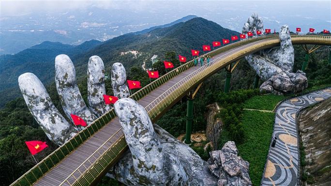 Khu du lịch Bà Nà Hills - Đà Nẵng mở cửa trở lại sau dịch Covid-19 - Ảnh 2.