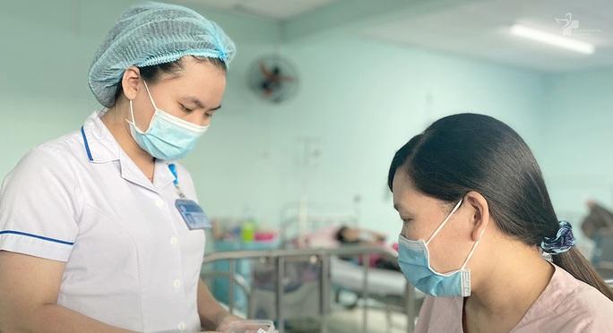 Một phụ nữ mắc bệnh hiếm: Trong 100.000 ca mới có 1 người mắc - Ảnh 1.
