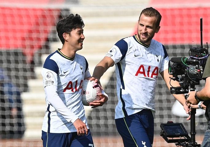 Son Heung-min ghi 4 bàn, Tottenham mở đại tiệc sân St.Mary's - Ảnh 4.