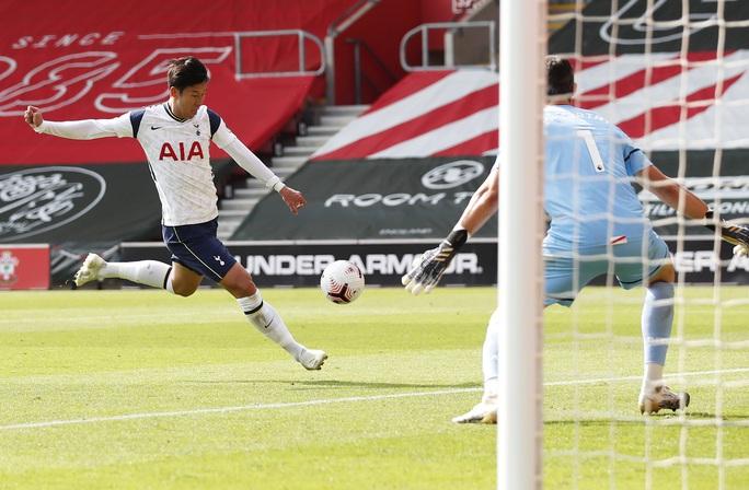Son Heung-min ghi 4 bàn, Tottenham mở đại tiệc sân St.Mary's - Ảnh 2.