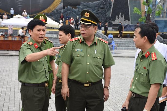 2 Phó giám đốc Công an tỉnh Thanh Hóa được trao danh hiệu Vì sự phát triển Thanh Hóa - Ảnh 2.