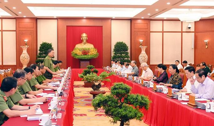 Tổng Bí thư, Chủ tịch nước Nguyễn Phú Trọng: Công an nhân dân Việt Nam là thanh kiếm và lá chắn  - Ảnh 2.