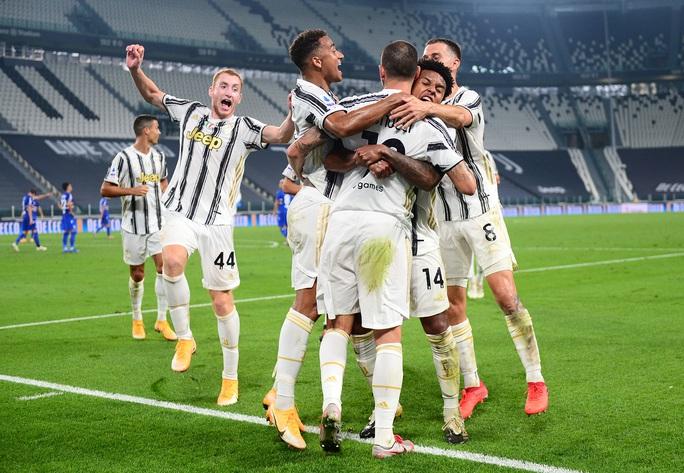 Ronaldo khai hỏa, Juventus mở màn mãn nhãn ở Turin - Ảnh 6.