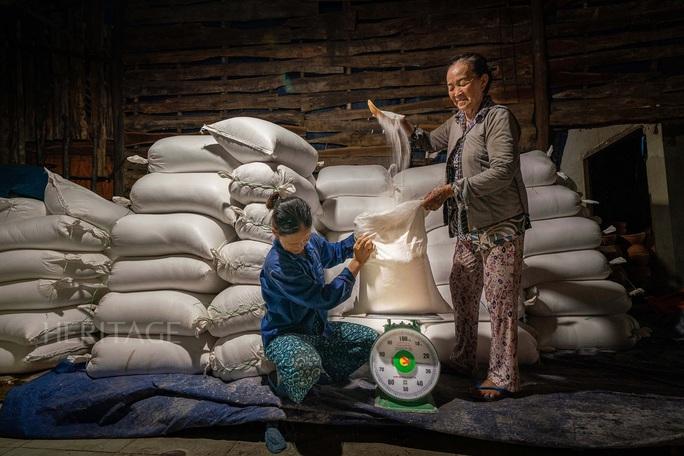Bộ ảnh Muối hầm Tuyết Diêm của nhiếp ảnh gia Nguyễn Ngọc Hòa đoạt giải đặc biệt - Ảnh 5.