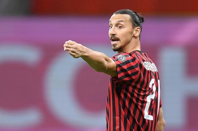 Clip cựu sao Barcelona Zlatan Ibrahimovic lập cú đúp, AC Milan thắng trận ra quân Serie A - Ảnh 1.