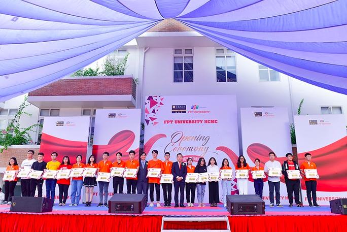 Trường ĐH đầu tiên trên cả nước hoàn thành tuyển sinh năm 2020 - Ảnh 2.
