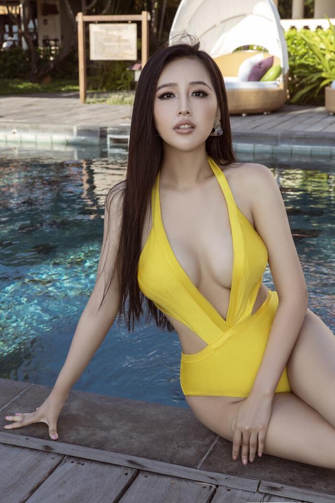 Diện bikini gợi cảm, Mai Phương Thúy xứng danh hoa hậu nóng bỏng nhất - Ảnh 1.
