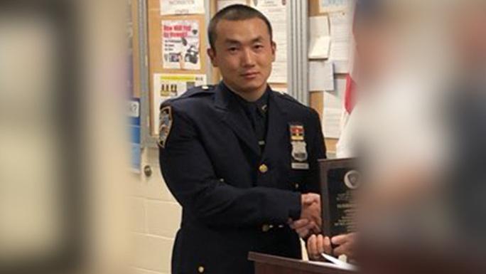 Mỹ buộc tội một cảnh sát New York làm gián điệp cho Trung Quốc - Ảnh 1.