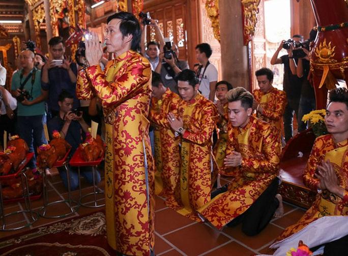 Danh hài Hoài Linh không mở cửa Đền thờ trong ngày Giỗ Tổ sân khấu - Ảnh 4.