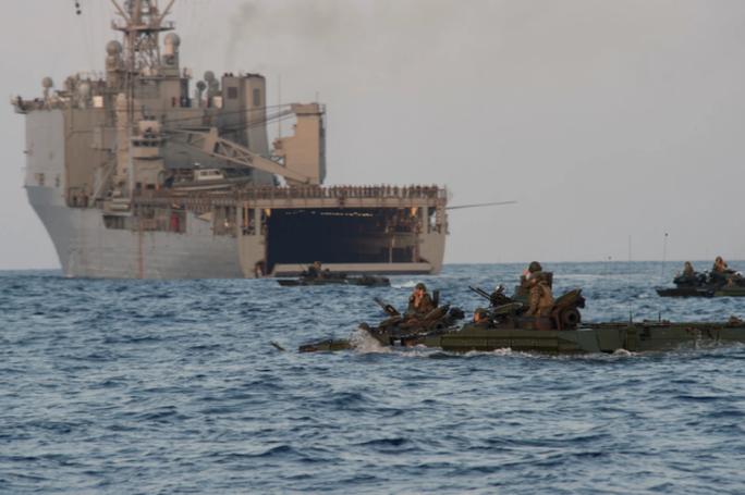 Mỹ phát triển đơn vị mới nhằm vào đảo nhân tạo phi pháp của Trung Quốc - Ảnh 1.