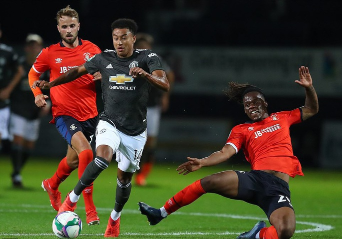 Dự bị lập công, Man United thắng trận đầu tiên mùa giải mới - Ảnh 2.