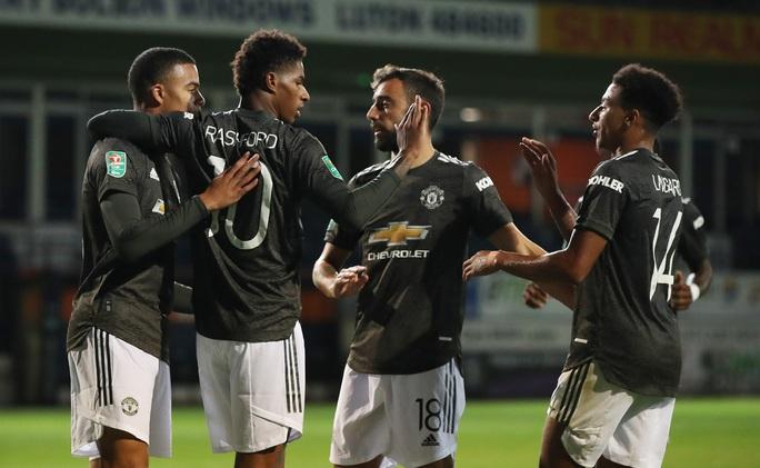 Dự bị lập công, Man United thắng trận đầu tiên mùa giải mới - Ảnh 5.