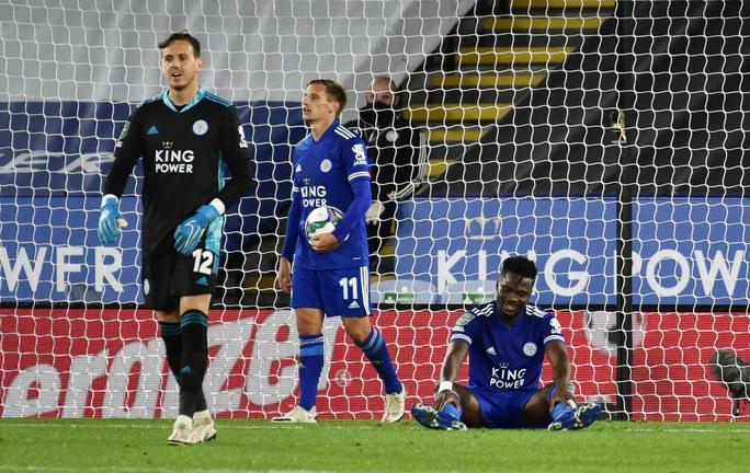 Arsenal hạ gục chủ nhà Leicester bằng bàn đá phản League Cup - Ảnh 4.