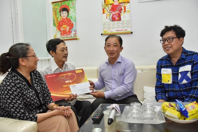 Mai Vàng nhân ái đến thăm nghệ sĩ Trường Quang và Tuấn Phương - Ảnh 5.