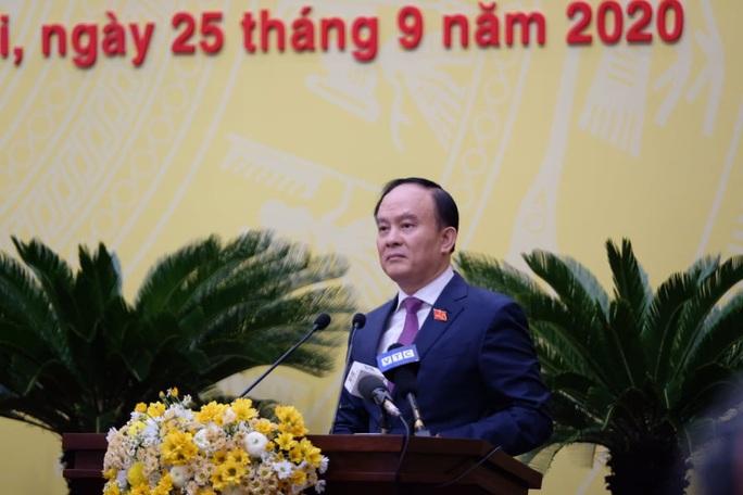 100% đại biểu HĐND TP Hà Nội đồng ý bãi nhiệm ông Nguyễn Đức Chung - Ảnh 2.