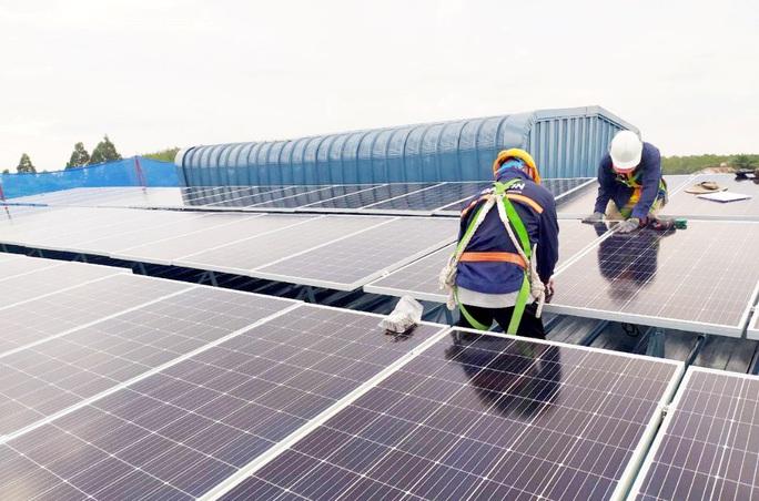 Khai thác điện mặt trời mái nhà thuận tiện hơn với văn bản mới - Ảnh 1.