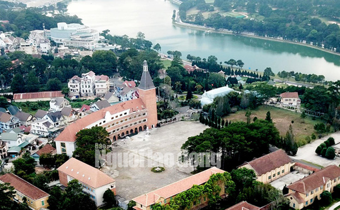 Ngôi trường trong top đẹp nhất Việt Nam có nguy cơ mất tên - Ảnh 2.