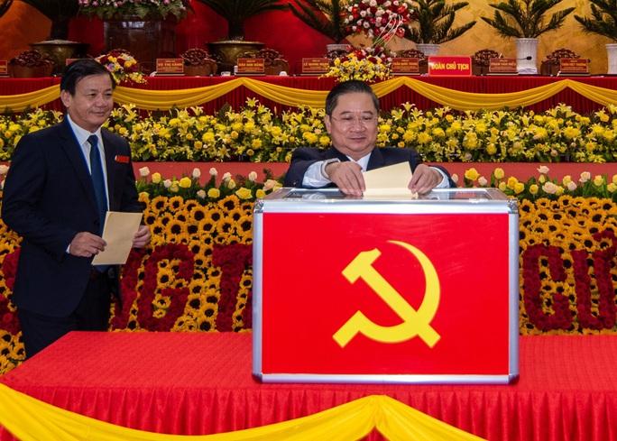 Chân dung 50 người trong Ban Chấp hành Đảng bộ Cần Thơ nhiệm kỳ mới - Ảnh 1.
