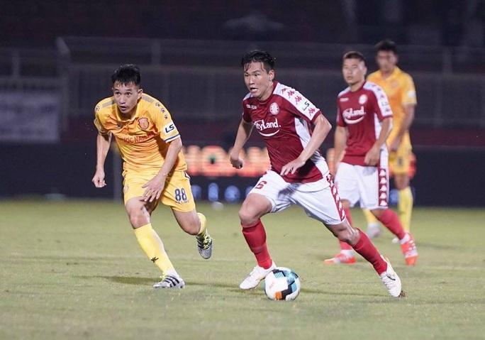 Công Phượng lập cú đúp, CLB TP HCM đè bẹp DNH Nam Định - Ảnh 2.