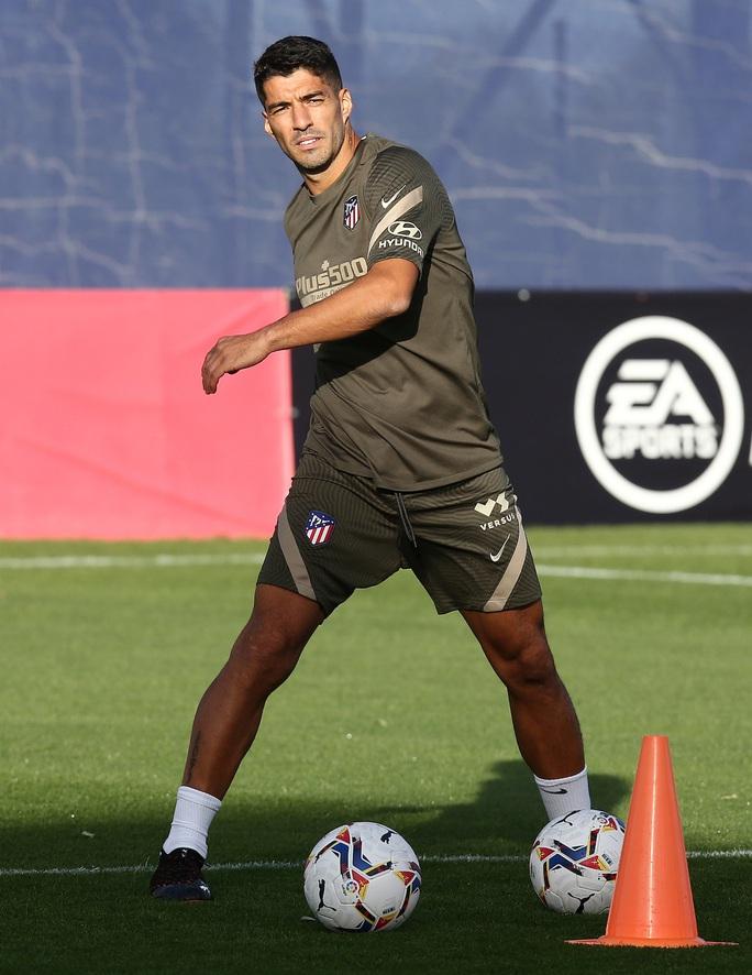 Những hình ảnh đầu tiên của Luis Suarez ở đội bóng mới Atletico Madrid - Ảnh 12.