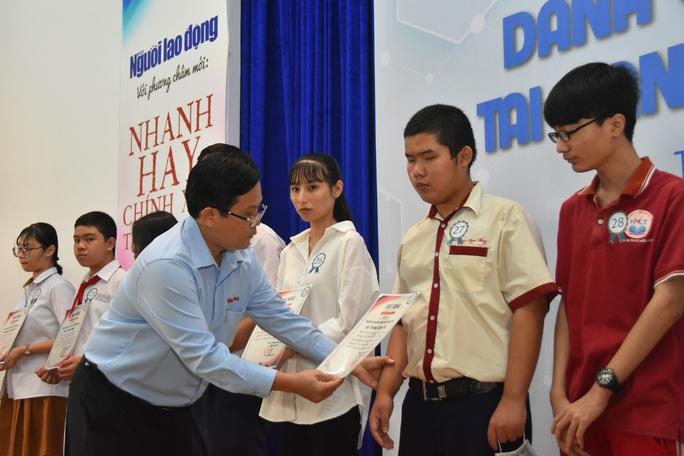 Ấm áp lễ trao học bổng Báo Người Lao Động cho con công nhân - Ảnh 9.