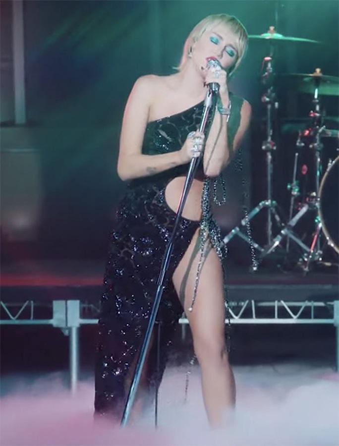 Jennifer Lopez khoe dáng cuốn hút với thiết kế Công Trí - Ảnh 5.