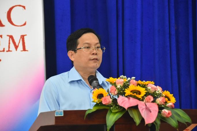 Ấm áp lễ trao học bổng Báo Người Lao Động cho con công nhân - Ảnh 1.