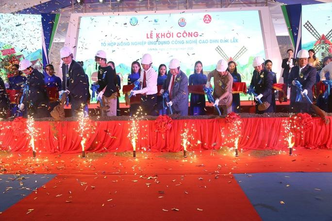 Hai tập đoàn bắt tay làm trang trại chăn nuôi 1.500 tỉ đồng - Ảnh 1.