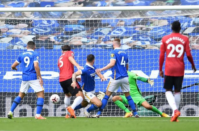 Hưởng phạt đền khi trận đấu đã kết thúc, Man United ngược dòng điên rồ trước Brighton - Ảnh 3.