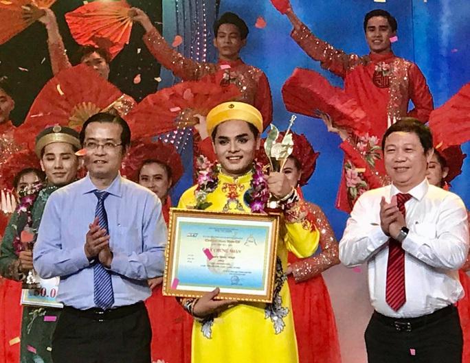 Tranh cãi về Chuông vàng vọng cổ 2020 Nguyễn Quốc Nhựt - Ảnh 1.