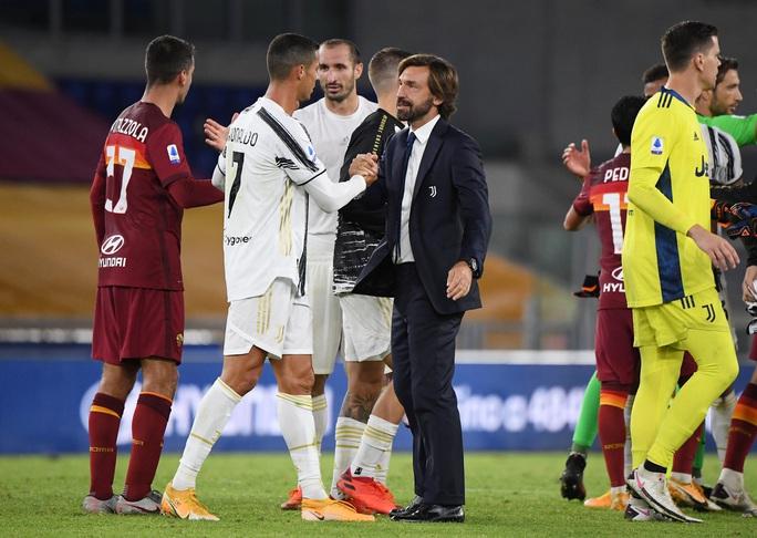 Ronaldo lập cú đúp giúp Juventus thoát thua - Ảnh 6.