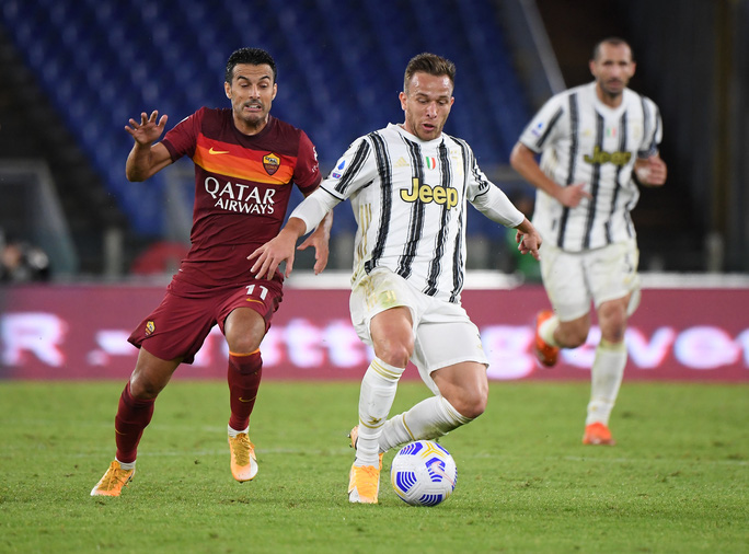 Ronaldo lập cú đúp giúp Juventus thoát thua - Ảnh 3.