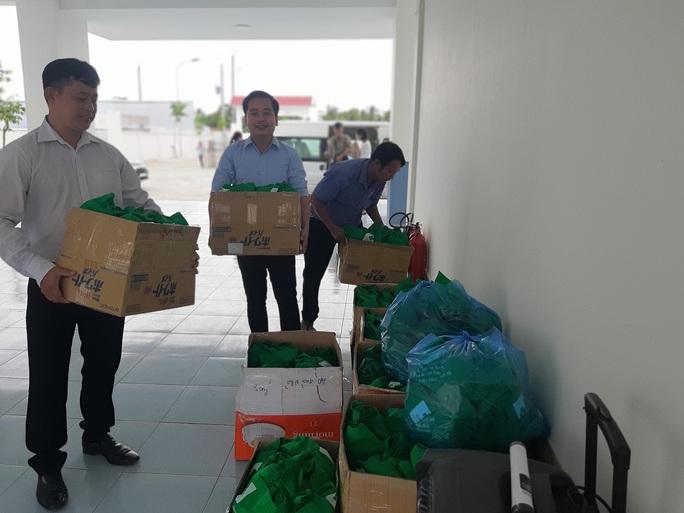 Báo Người Lao Động trao 285 phần quà trung thu cho trẻ em nghèo Cần Thơ - Ảnh 5.