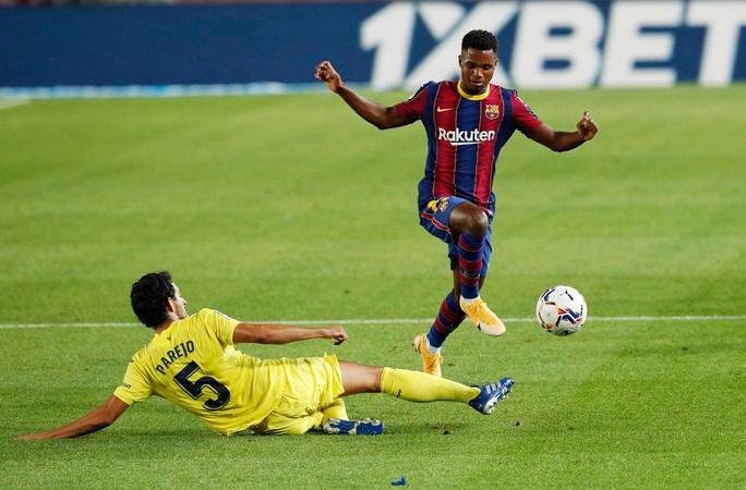 Mở màn La Liga mãn nhãn, Barcelona đại thắng tàu ngầm vàng - Ảnh 2.