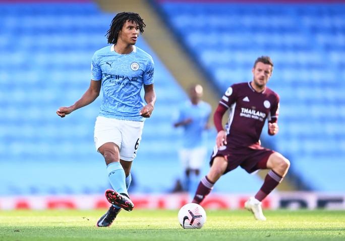 Hat-trick của Jamie Vardy nhấn chìm Man City, Ngoại hạng Anh hốt hoảng - Ảnh 4.
