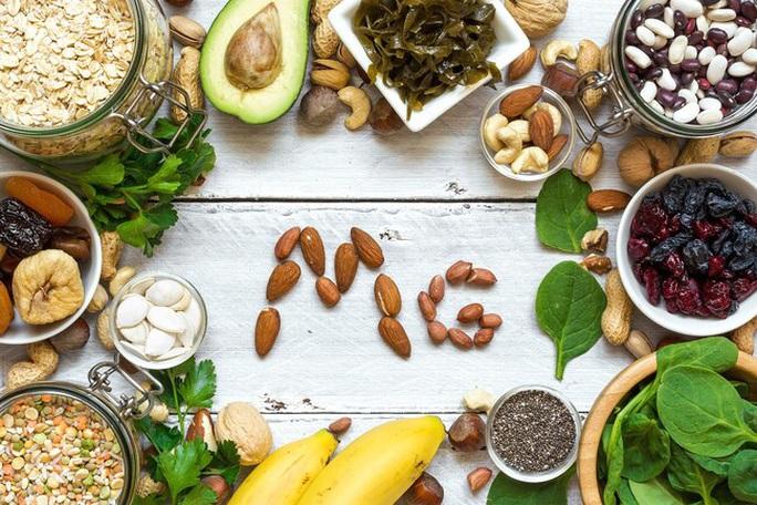 Siêng ăn, uống 5 thứ này, nguy cơ ung thư ruột giảm 8-43% - Ảnh 1.