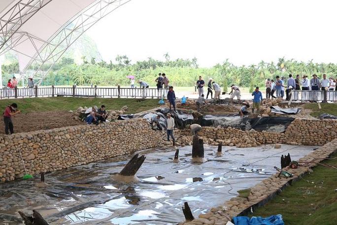 Gần 300 nhà khoa học, khảo cổ tìm hiểu về bãi cọc Bạch Đằng mới được phát hiện - Ảnh 4.