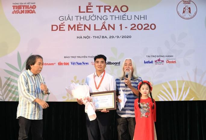 Nhà văn Nguyễn Quang Thiều từ chối nhận giải thưởng Dế mèn - Ảnh 2.