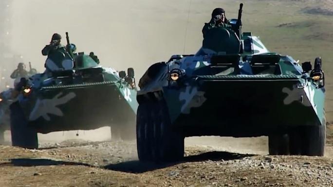Chiến sự giữa Armenia và Azerbaijan: Chiến tranh toàn diện? - Ảnh 1.