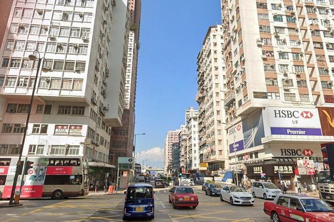 Hồng Kông: Cướp 645.000 USD giữa ban ngày, tiền bay khắp phố - Ảnh 1.