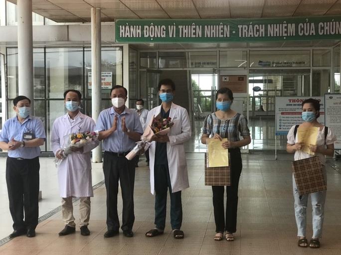 4 bệnh nhân sau cùng xuất viện, Quảng Nam sạch bóng Covid-19 - Ảnh 1.