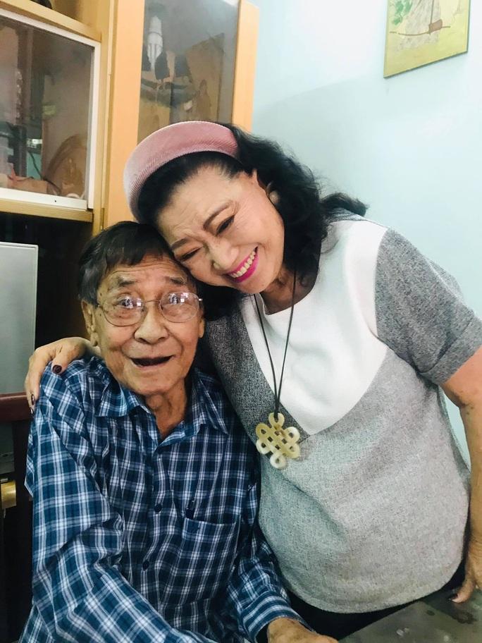 Kỳ nữ Kim Cương hội ngộ các nghệ sĩ thế hệ vàng cải lương - Ảnh 3.