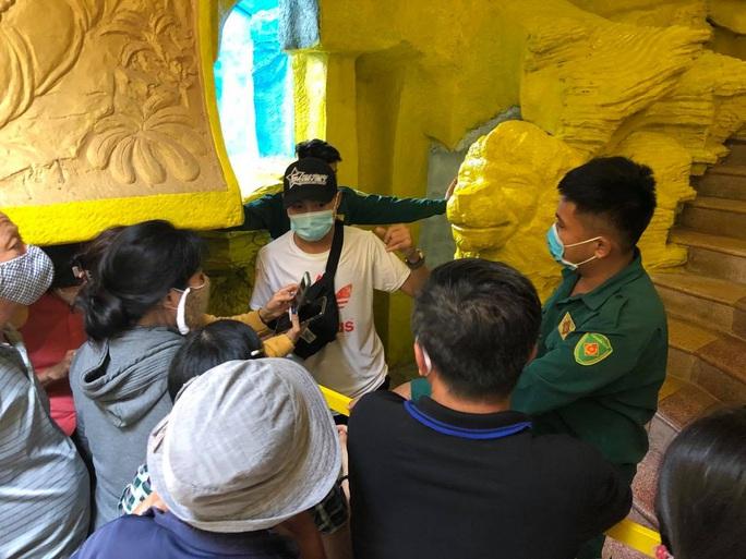 Tiến hành kiểm kê số lượng, thực trạng các hũ cốt thờ tại chùa Kỳ Quang 2 - Ảnh 4.